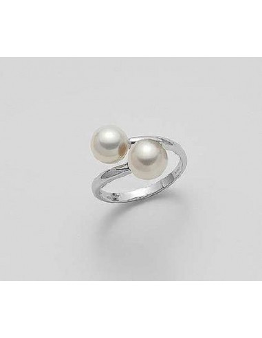 Mikiko ring with white gold pearls