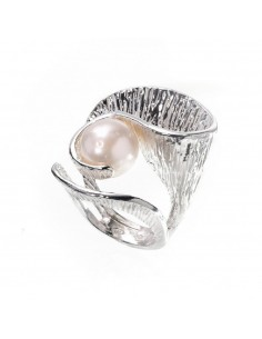 Curvy Athena ring in silver...
